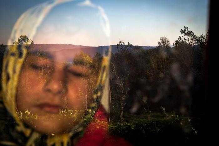 Esta imagen de Zohren Saberi es el tercer premio en el epígrafe de Vida Diaria, en el apartado de una única foto. En ella aparece Raheleh, una adolescente ciega que vive en el pueblo de Babol, Irán. ZOHREN SABERI (AP)