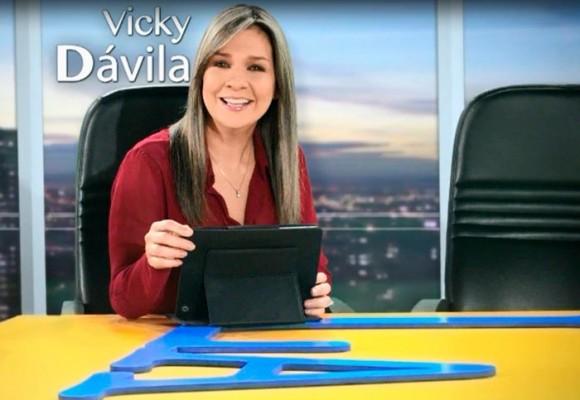 La renuncia NO voluntaria de Vicky Dávila