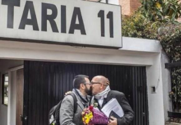 Escándalo en la policía frena el debate sobre matrimonio gay en la Corte