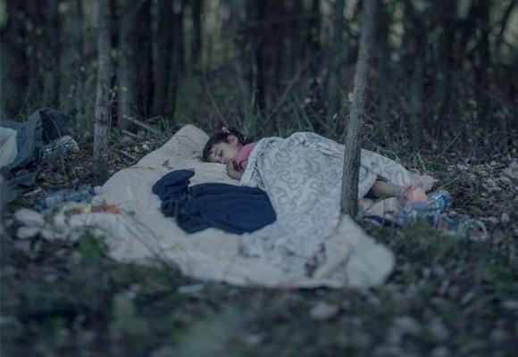 ¿Dónde duermen los niños refugiados sirios en Europa?