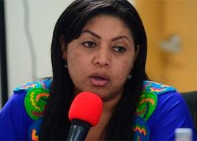Oneida Pinto avanza en Washington mientras busca bloquear al nuevo gobernador