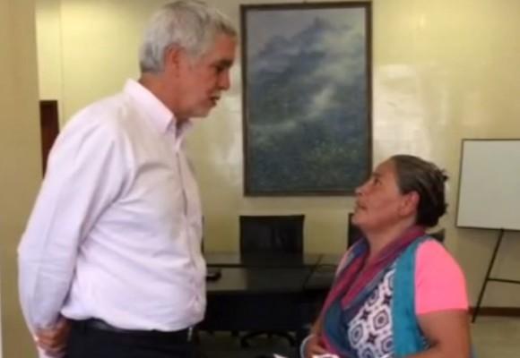 La vendedora de tintos que enfrentó a Peñalosa fue recibida en el Palacio de Liévano