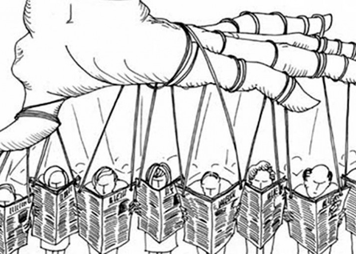 Día de los periodistas: Periodismo, política y negocios