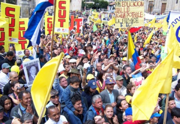 Sumar fuerzas para la protesta social