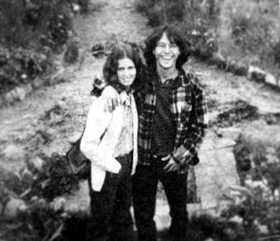 Con su novia Patricia Restrepo en Bogotá, con quien estuvo en el momento de suicidio