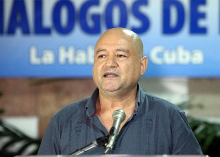 """""""Las FARC van a dejar hasta el último fusil"""""""