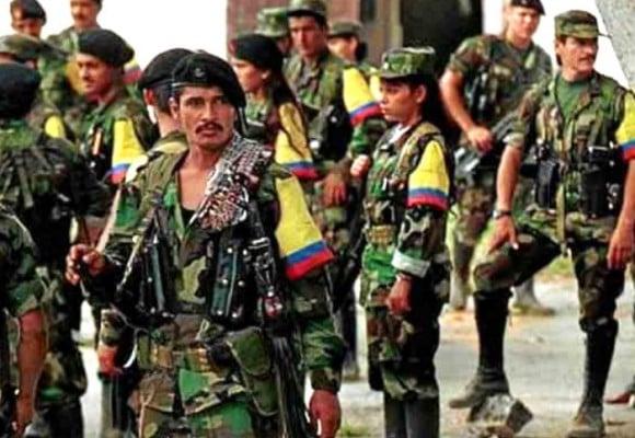 ¿Las FARC al mismo nivel que las Fuerzas Militares?
