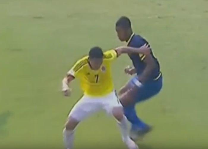 Bacca, con golazo de media vuelta, adelanta a Colombia contra Ecuador