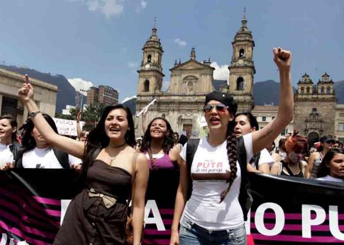 """""""¡Las mujeres marchamos porque nos queremos vivas!"""""""