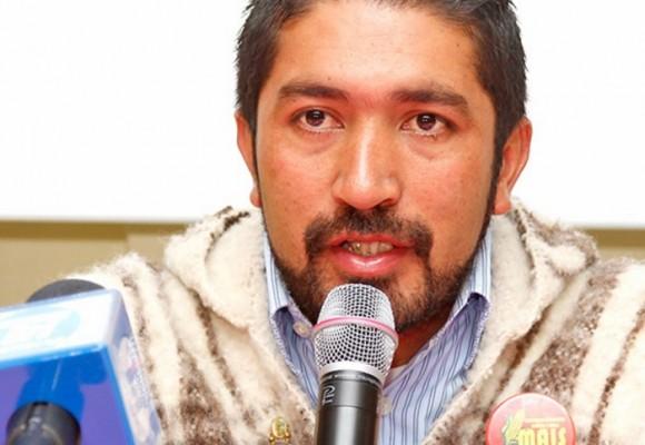 Los ataques de los medios contra César Pachón
