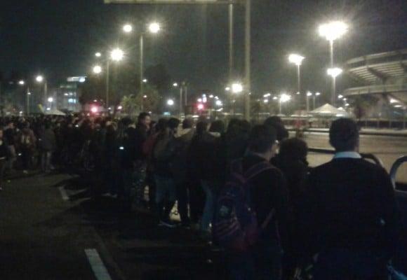 Los fans que no entraron al concierto de los Rolling Stones en Bogotá
