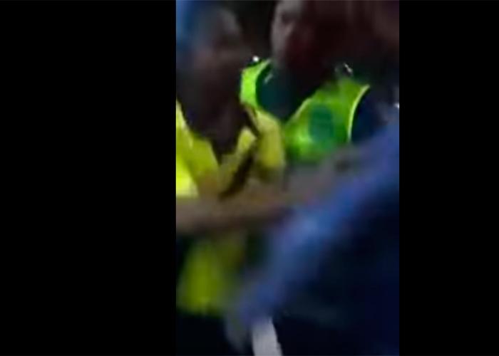 """En video: """"Te pones a grabar y te lo parto"""", policía agrede a una mujer en Cartagena"""