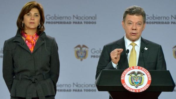 A Juan Manuel Santos le reventaron los dos traumáticos fallos pero han sido muchos los errores para enfrentarlos.