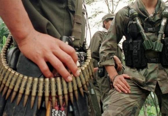 Trabajar para pagar la 'vacuna' a las FARC