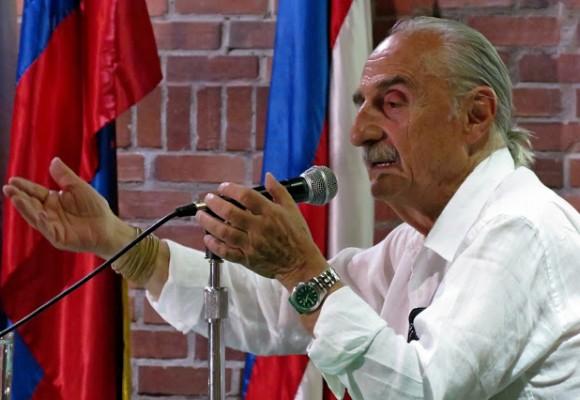 """Espero que Colombia tenga una verdadera democracia "": Alfredo Molano"