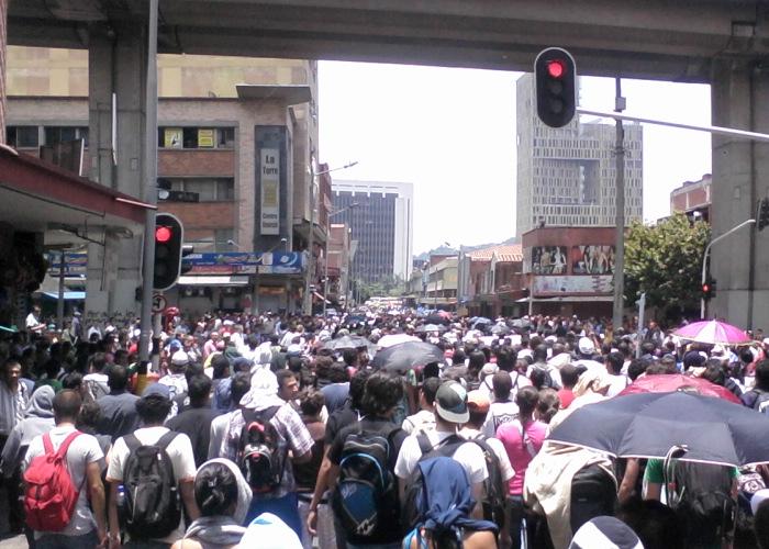 Estado arremete contra estudiantes de U. Antioquia y ACEU
