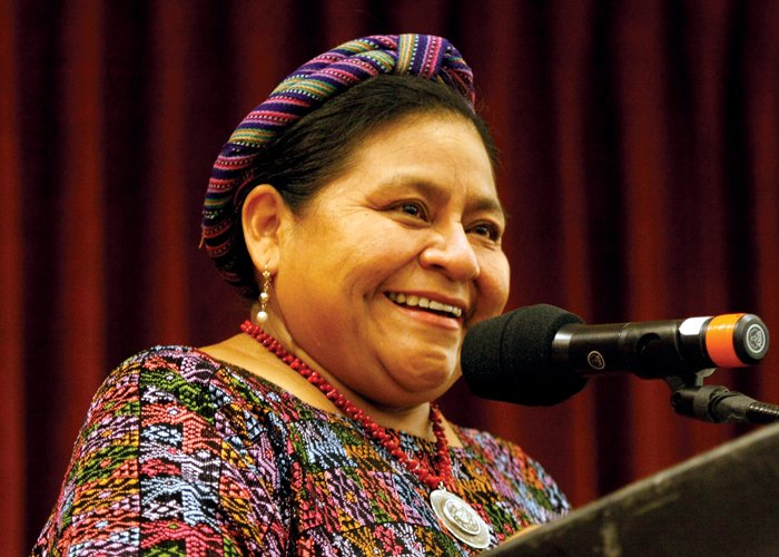 """""""La paz no se consigue firmando un acuerdo en papel"""": Rigoberta Menchú"""
