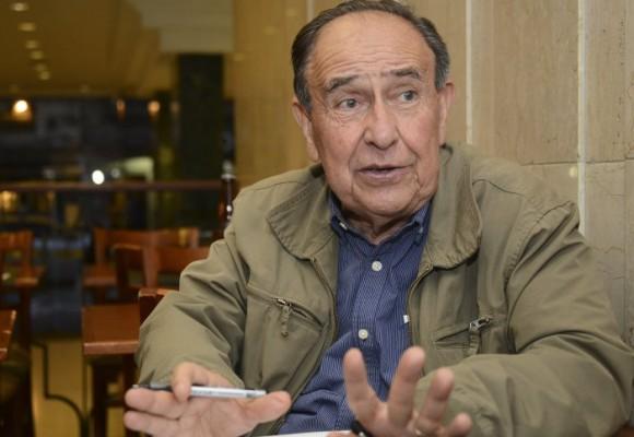 """""""Los acuerdos de paz tienen que materializarse por la vía jurídica"""": Víctor Moncayo"""