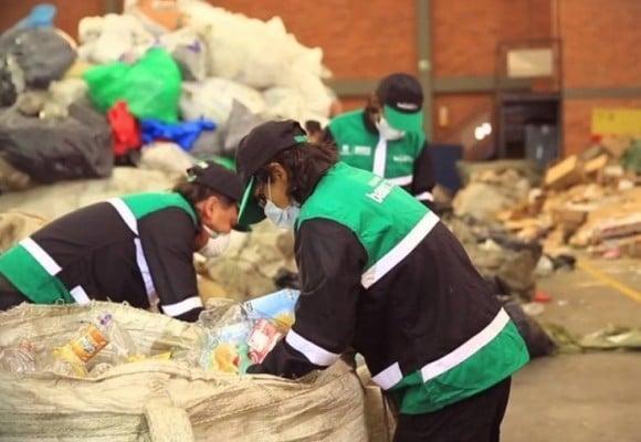 Clasismo en Semana por la nota 'Algo huele mal en el pago a recicladores en Bogotá'