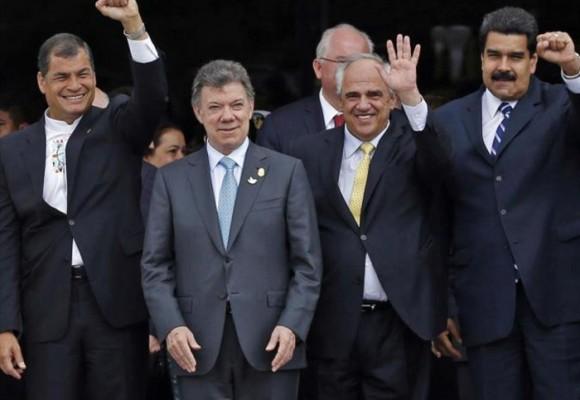 Gobierno e izquierda colombiana apoyan a Maduro, no a los venezolanos