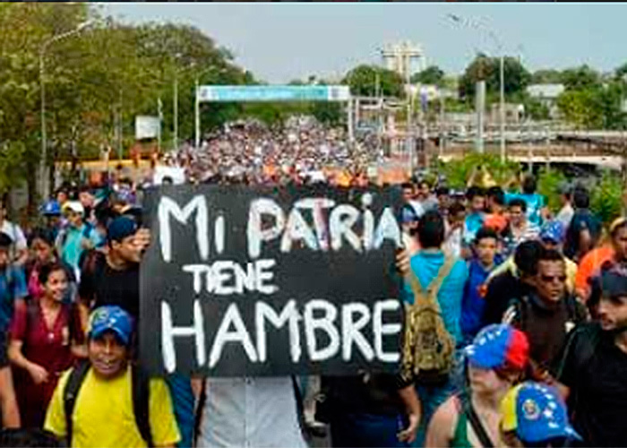 Sin medicina, comida ni papel higiénico, al chavismo se le volteó el pueblo