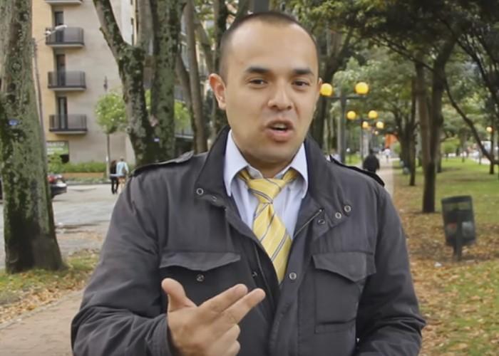 La herejía 'youtuber': escándalos adultos, histerias adolescentes