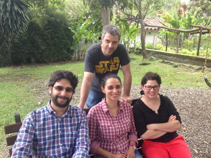 Carlos Arango, Natalia Alvarez, Lina Escobar y de pie Leopoldo Arango, cabezas de la iniciativa