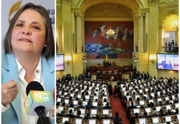 'Ministra Clara López, ajustemos el salario de los congresistas'