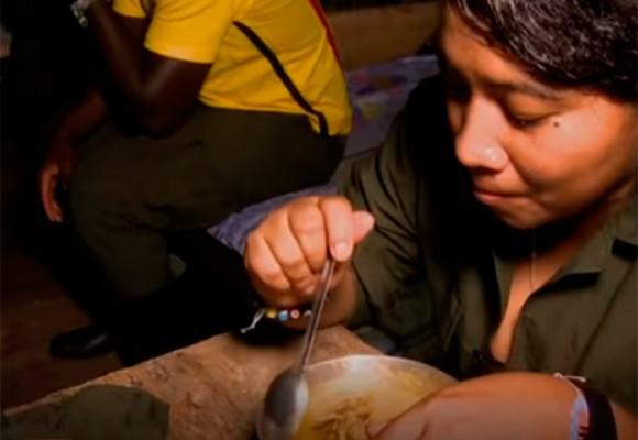 Así viven guerrilleros de las FARC en un campamento rebelde de Colombia