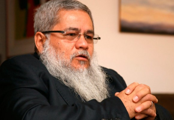 El excomandante del ELN, Pacho Galán, prepara su entrega a la justicia