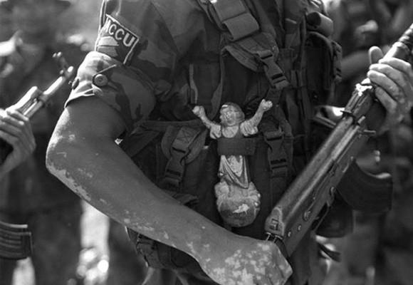 En Colombia importa un pepino si es el último día de la guerra