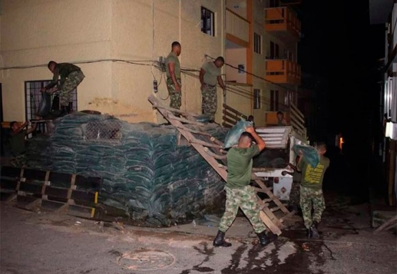 Desmontando las trincheras en Ituango, Antioquia