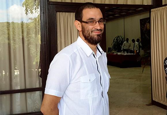 Lucas Carvajal, el bacán de los negociadores de las FARC