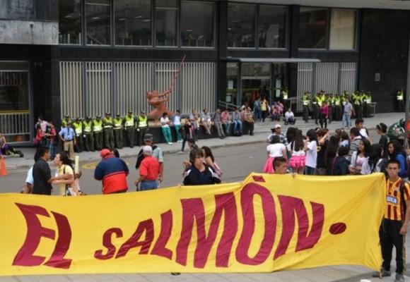 Revista El Salmón conmemora 16 años en la dirección contraria