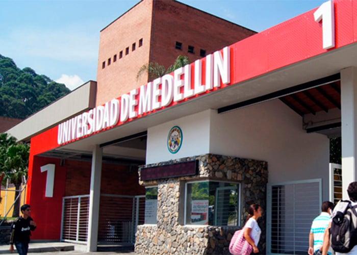 Los estudiantes de la Universidad de Medellín exigen alternancia