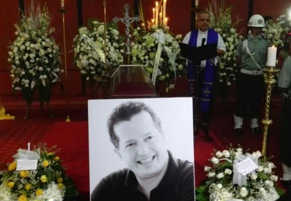 La despedida a Juan Mario Laserna en Ibagué
