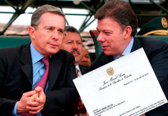 Con esta carta personal Santos busca reconciliarse con Uribe