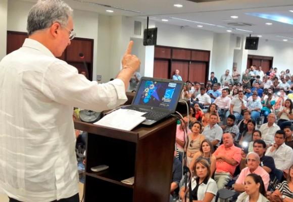 Uribe arranca la pedagogía del No en Santa Marta