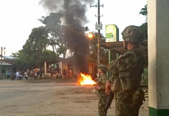 Se agrava la situación en el Caquetá: fuertes disturbios en rechazo a las petroleras
