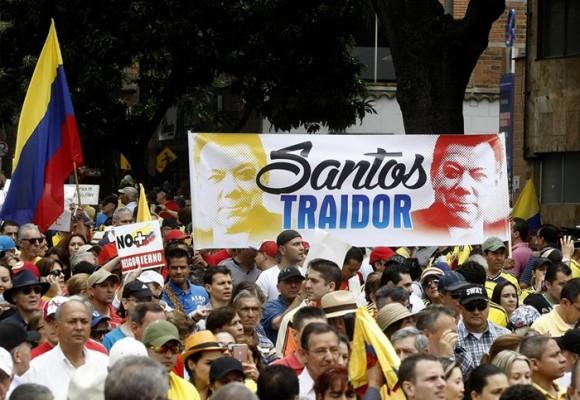 No todos los opositores al proceso de paz son borregos de Uribe