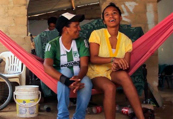 Video: El amor entre la profe y su alumna