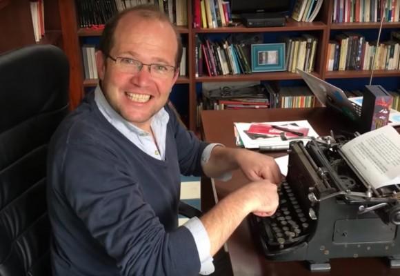 ¿Daniel Samper no sabe de quién más escribir?
