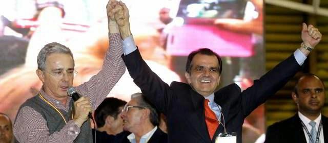 El candidato del Centro Democrático, Óscar Iván Zuluaga, le ganó por un estrecho margen la primera vuelta presidencial al candidato de La U, Juan Manuel Santos