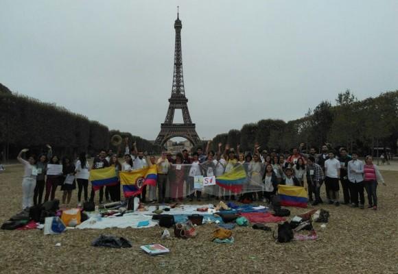 Los colombianos en Francia se movilizan por el Sí