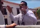 Video: El funcionario que agredió a los periodistas en Cartagena