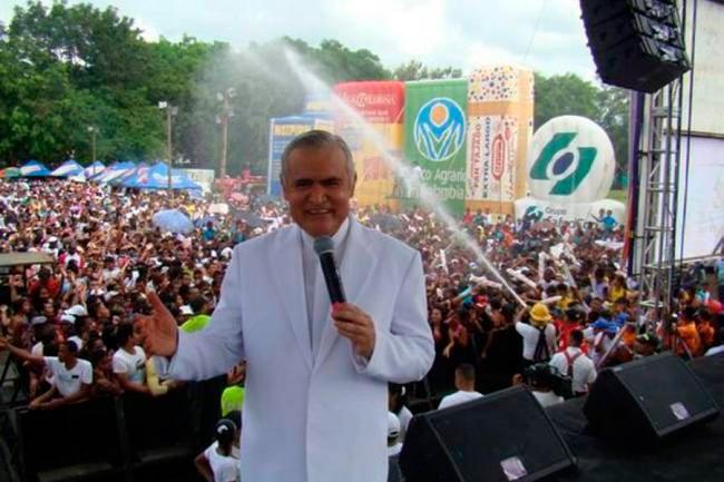 Jorge Barón y el aguita pa' mi gente en la última fiesta del año