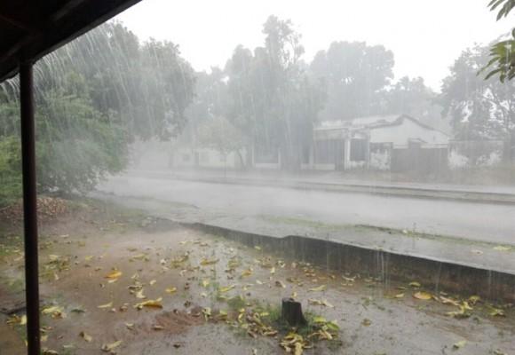 Video: tormenta arremete contra la capital del Vichada