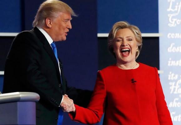 Hillary despeluca a Trump