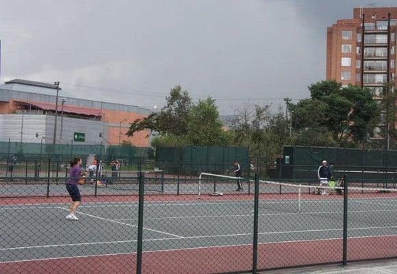 Los lugares más baratos para jugar tenis en Bogotá