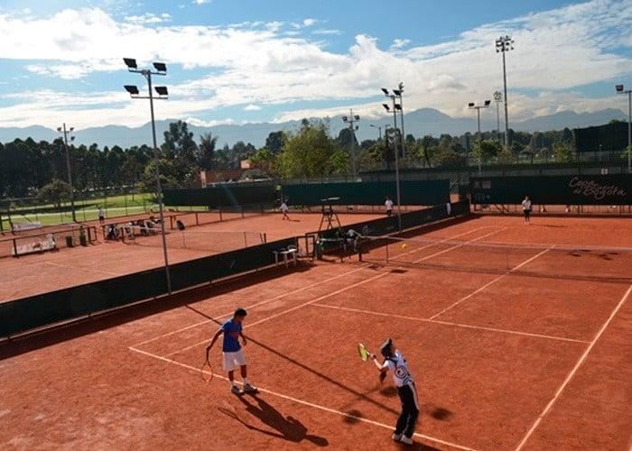 ¿Dónde jugar tenis en Bogotá sin quebrarse el bolsillo?